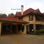5 BEDROOM  TOWN HOUSE – TO LET IN LAVINGTON